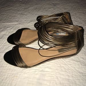 Kelsi Dagger gold sandals gladiator style 10